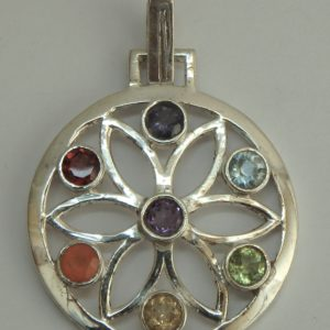 Fleur dans cercle 7 pierres